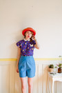 Red-boater-vintage-hat-sky-blue-50s-high-waist-vintage-shorts