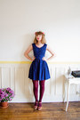 Navy-vintage-dress-maroon-hue-tights
