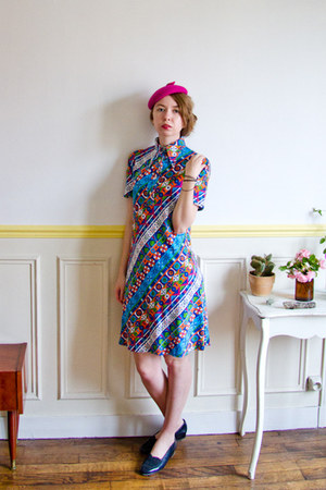 blue swing vintage dress - hot pink 60s asos hat - navy heart vintage flats