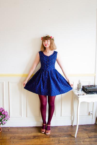 navy vintage dress - maroon HUE tights