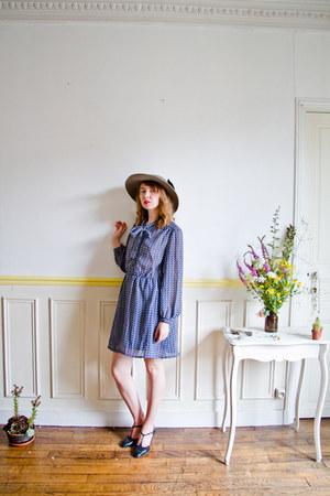 blue vintage dress - charcoal gray wide brimmed vintage hat - navy vintage heels