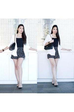 black Chanel purse - white Zara blazer - black daisy H&M shorts