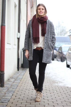 crimson COS scarf - camel Isabel Marant sneakers - black Mavi pants