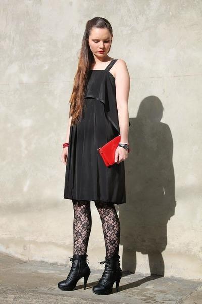 Laura Belru bracelet - Max Mara dress - Louis Vuitton purse - Cartier watch