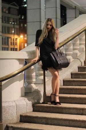 Boohoo dress - Celine bag - Heelberry heels