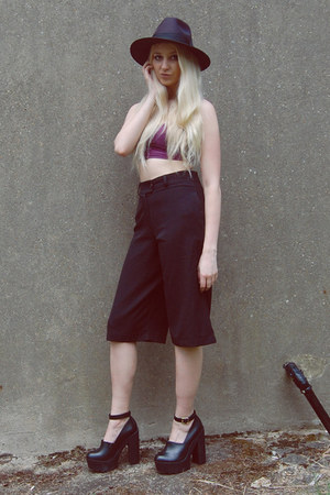 Boohoo hat - River Island shoes - Bik Bok top - Boohoo pants