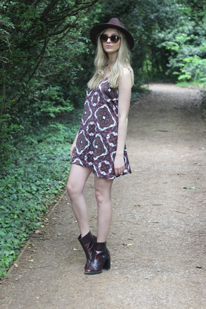 Missguided dress - Zara boots - Missguided hat - asos sunglasses