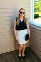 black vintage bag - black Roxy sunglasses - black stuart weitzman flats
