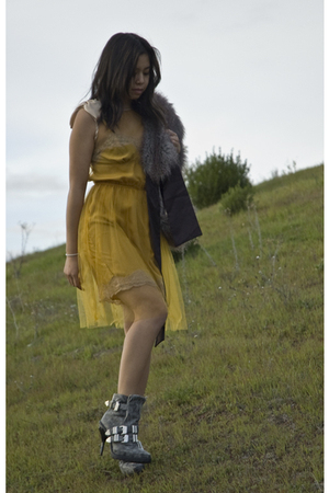 gray Alexander Wang boots - yellow Rodarte for Target dress - gray vintage acces