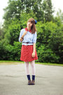 Red-floral-dress-periwinkle-floral-shirt-navy-star-socks