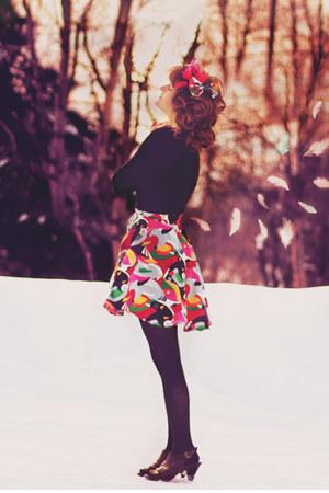 orange bird skirt - red bird hat