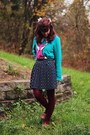 Teal-fox-sweater-white-lace-collared-shirt-maroon-tights