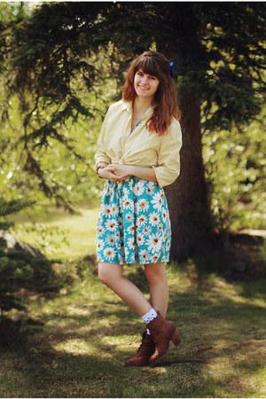 light blue daisy dress - bronze boots - light yellow shirt