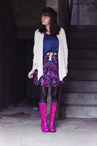 cream cardigan - hot pink lace-up boots - magenta lace dress