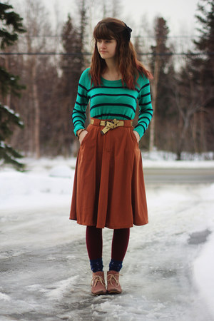 green striped shirt - coral boots - brick red tights - deep purple star socks
