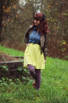 yellow zigzag dress - gold jacket - deep purple floral leggings