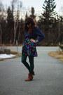 Hot-pink-skirt-bronze-boots-navy-shirt-dark-green-tights
