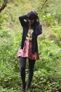 Dark-khaki-floral-shirt-charcoal-gray-tights-coral-floral-skirt