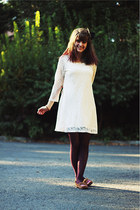 cream lace dress - magenta lace tights - light brown striped flats