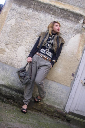 gray Bershka pants - black Newlook shoes - brown vintage vest - brown vintage pu