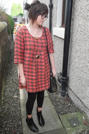 Topshop dress - me&zeena necklace - Zara leggings - vintage boots - American App