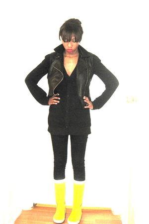 black Silence & Noise vest - black cardigan - yellow Tretorn boots