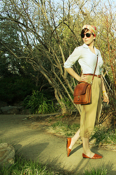 turban Tres-Elle scarf - brown coach bag - unisa flats - tan Ralph Lauren pants