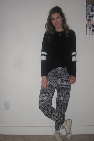 black knit Forever 21 sweater - cream converse Converse shoes