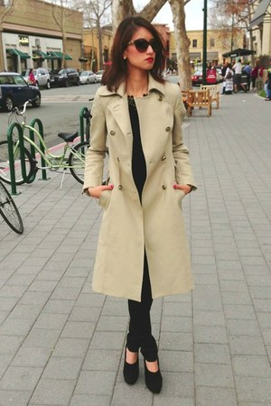 beige Zara jacket - brown cat-eye chains Chanel sunglasses