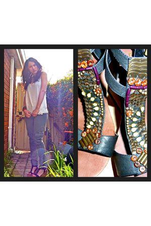 Jeans West pants - top - shoes - vintage accessories