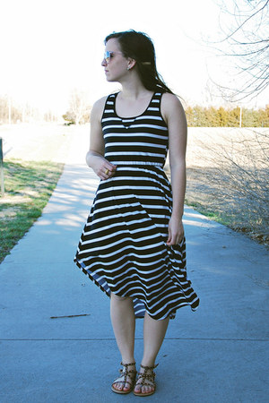 black stripes Target dress - light pink Target sunglasses