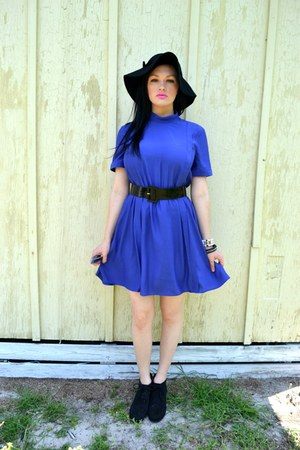 blue soft Urban Outfitters dress - black floppy Marshalls hat