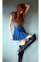 Blue-leather-lace-velvet-vintage-skirt-brown-geren-ford-shirt-black-foreve