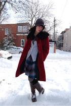 Lagelle hat - vintage coat - Lululemon t-shirt - vintage cardigan - Comme des Ga