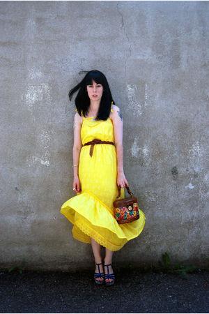 gold vintage dress - vintage belt - Bucket bag accessories - shoes