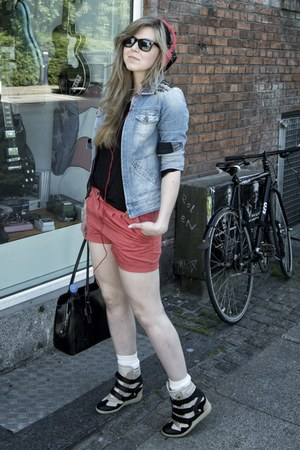 red H&M shorts - light blue Mango jacket - black weekday top