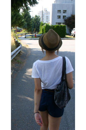 Urban Outfitters t-shirt - H&M shorts - BCBG hat - American Apparel purse