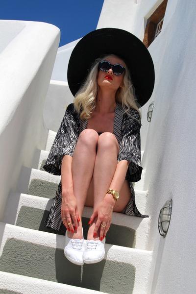 black H&M cardigan - white American Apparel shorts - black H&M top