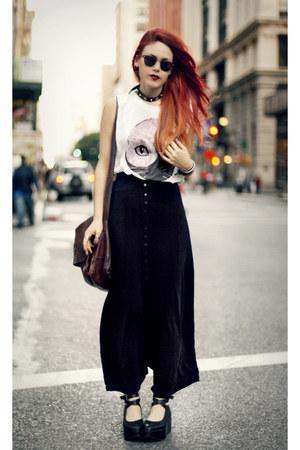 black vintage skirt - dark brown vintage bag - white shop market hq t-shirt