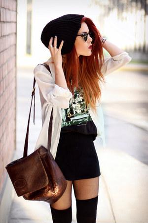 eggshell second hand shirt - crimson vintage bag - black second hand t-shirt