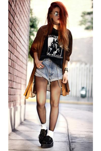 black medium t-shirt - black free people shoes