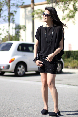 giordano concept blouse - Forever 21 skirt - TOMS shoes