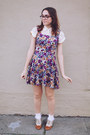 Purple-floral-vintage-dress-tawny-forever-21-shoes