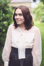 Eggshell-vintage-blouse-amethyst-ring-black-leather-h-m-skirt