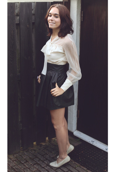 black leather H&M skirt - amethyst ring - eggshell vintage blouse