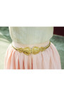 Light-pink-lace-vintage-blouse-gold-shoes-gold-vintage-belt