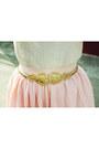 Light-pink-lace-vintage-blouse-gold-shoes-gold-vintage-belt