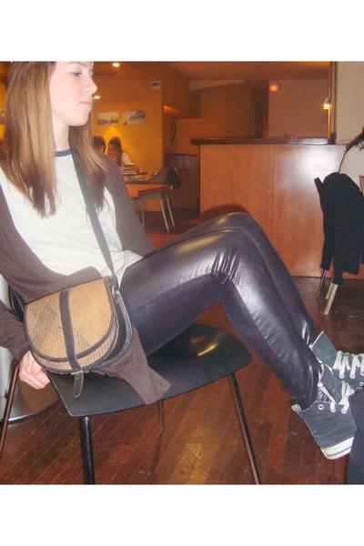 all start shoes - Bershka leggings - t-shirt - Zara blazer - purse