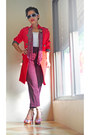 Red-frayed-hems-ing-coat-white-stretch-top-maroon-pants