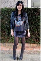 black pegasus Forever 21 t-shirt - black platform ankle Zara boots